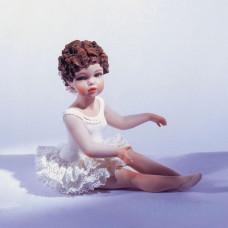 Carolyn (170) Фарфоровая статуэтка