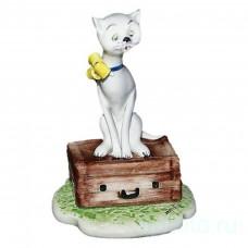 Кошка с чемоданом