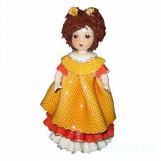 Кукла в оранжевом