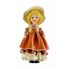 Кукла в желтом