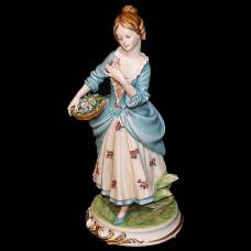 """Скульптура """"Дама с корзиной цветов"""""""