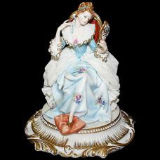 """Скульптура """"Дама с зеркалом"""""""