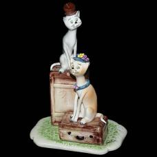 "Скульптура ""Кот и кошка - путешественники"""