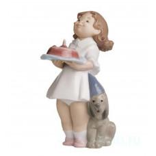 "Статуэтка NAO ""Именинный торт"""
