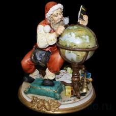 """Статуэтка """"Санта Клаус с глобусом"""""""